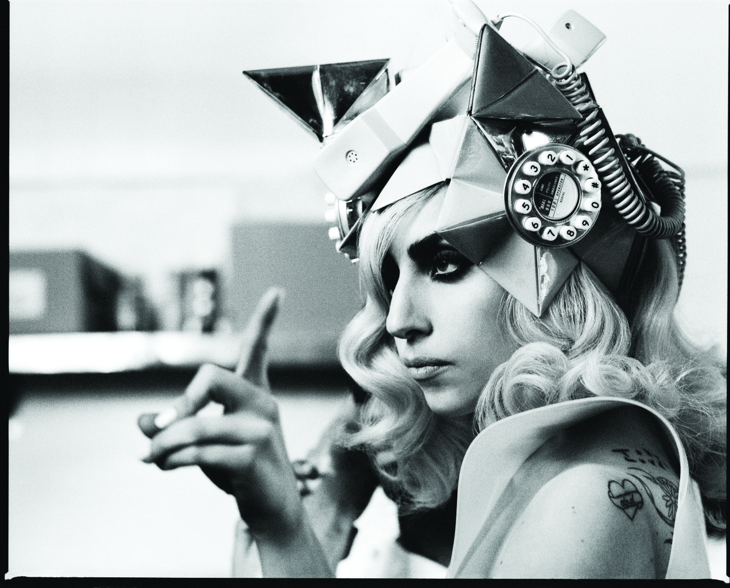 Lady Gaga Telephone 01 2010 - CMS Source.jpg